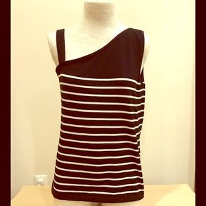 August Silk asymmetrical black and white top. Sz M